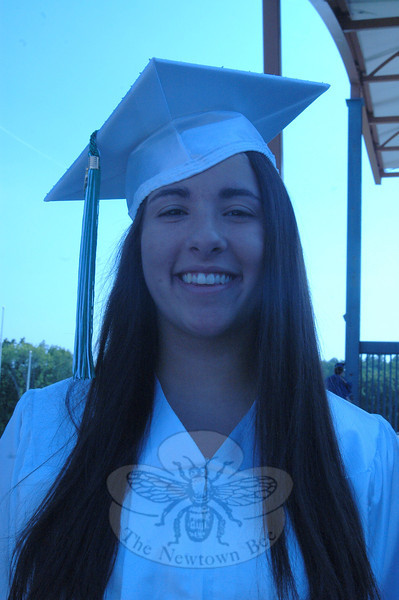 Newtown Bee: What is one thing you learned this year? Lindsey Aponte: I leaned how to be-come independent.