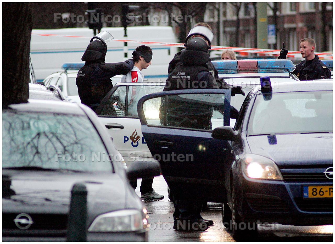 AD/HC - GIJZELING DE LA REYWEG - DEN HAAG 20 MAART 2007 - FOTO NICO SCHOUTEN