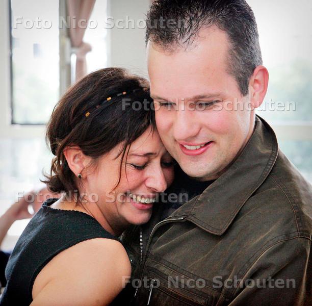 AD/HC - Belgische  Hilde Meessen en haar redder Joost Rietdijk - RODE KRUISZIEKENHUIS - 15 AUGUSTUS 2006 - FOTO NICO SCHOUTEN
