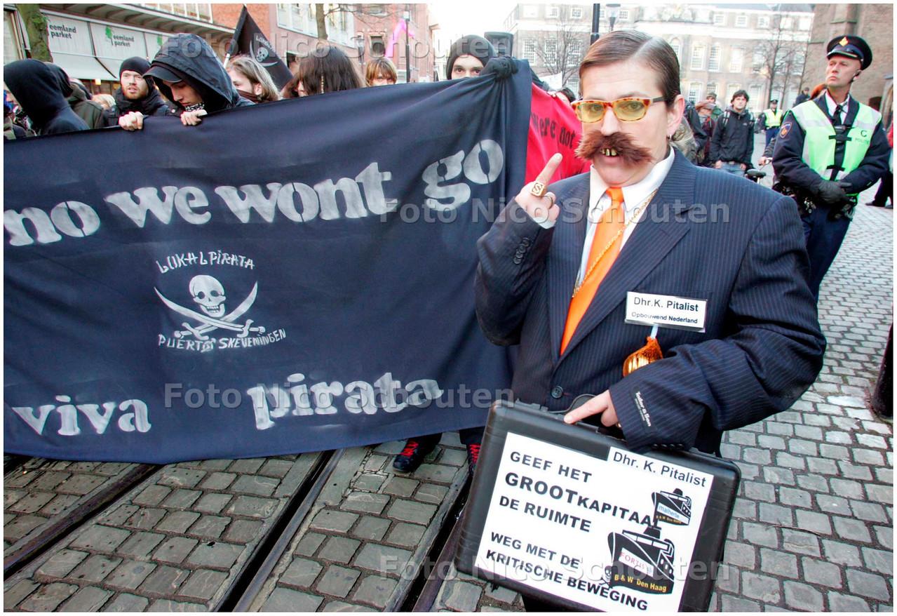 AD/HC - DEMONSTRATIE TEGEN ONTRUIMING KRAKERSBOLWERK DE VLOEK - Dhr. K.Pitalist - DEN HAAG 12 JANUARI 2008 - FOTO NICO SCHOUTEN