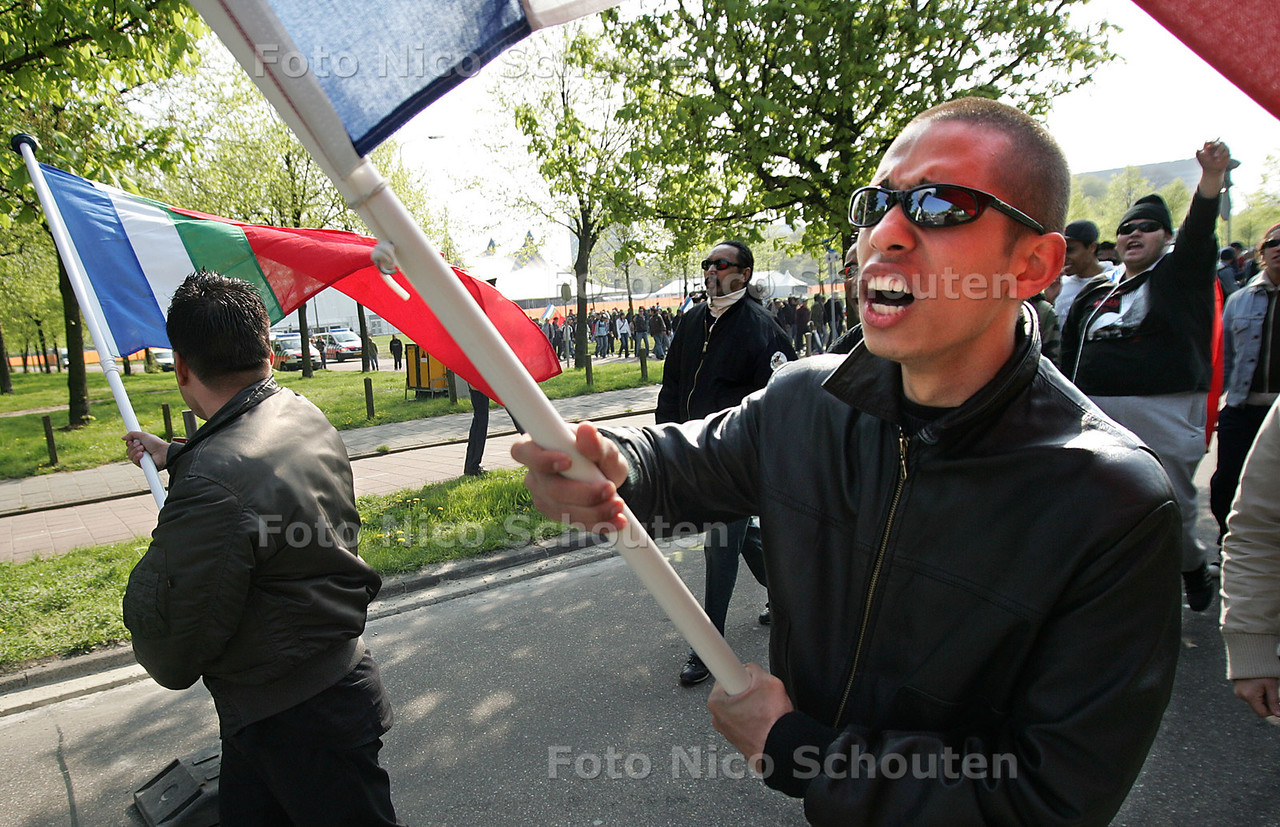 HC - DEMONSTRATIE MOLUKKERS - DEN HAAG 25 APRIL 2005 - FOTO NICO SCHOUTEN