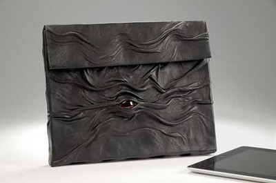 "Leather ""eye"" pouch for ipad"