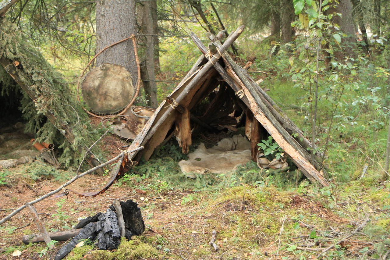 Another example of a primative hunting camp used for survival when away from the main camp.