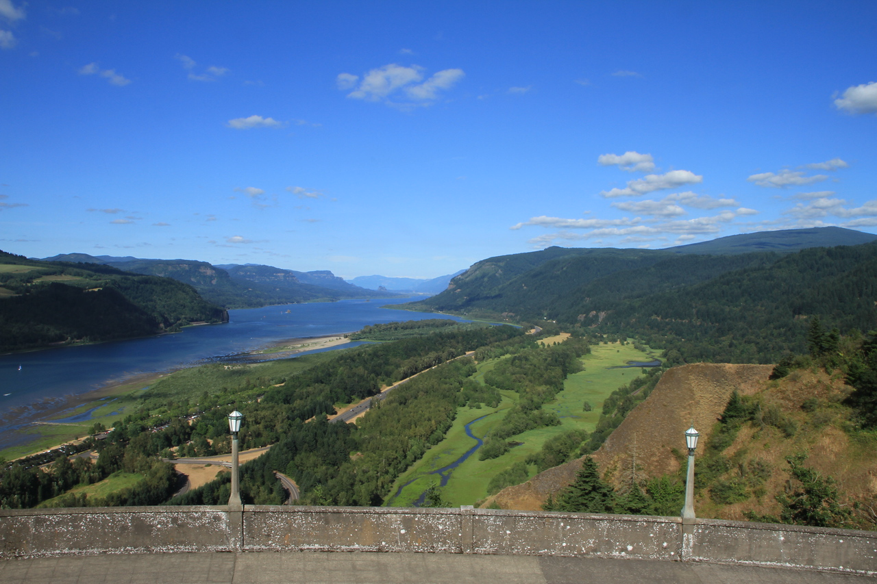 View from the Vista House looking back east up the Columbia River.