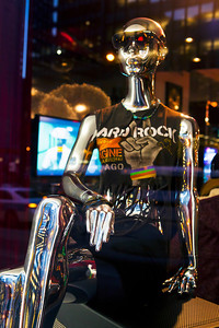 Mannequin Hard Rock Hotel Miracle Mile Chicago IL_7292