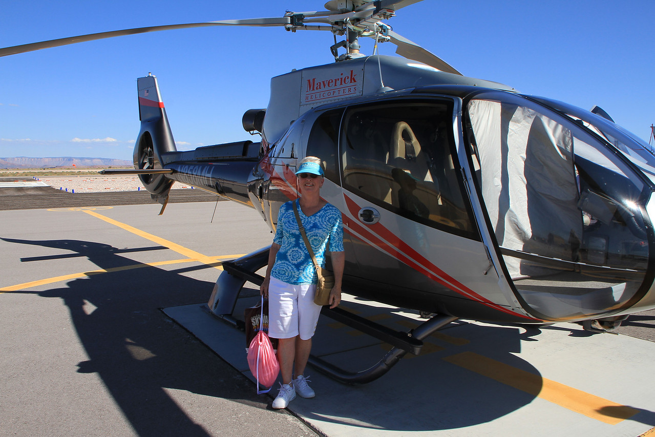 Is that a Macy's bag??????  A bit much taking a helicopter to Macy's........
