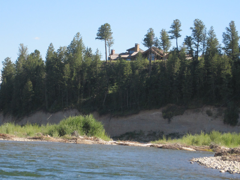 The Jackson Hole area has one of the richest zip codes in the US.  On this stretch of the river numerous movie stars and wealthy people have homes.  One of the Walmart family members live just off the river.