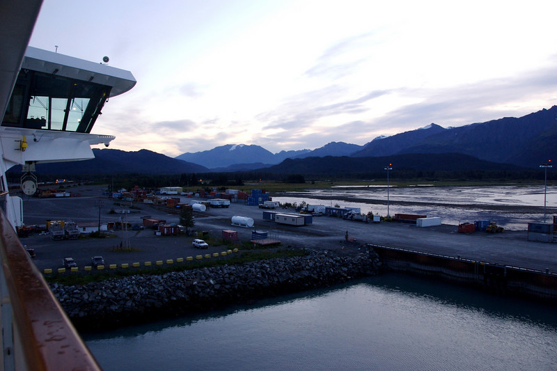 My last day in Alaska. Early-morning Seward ...