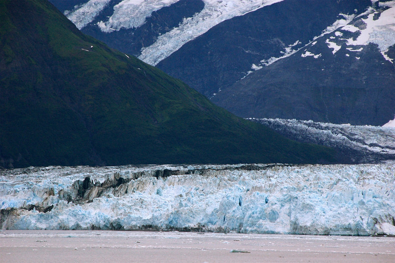 The black line is where Valerie Glacier (left of the line) and Hubbard Glacier (right of it) meet up.