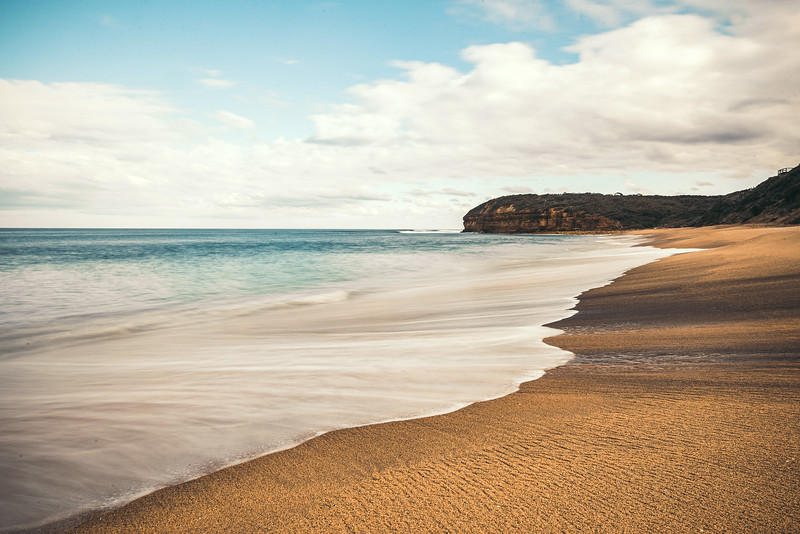 Crushing waves Bells Beach