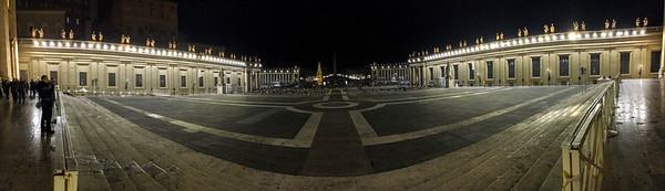 St Peter's Square a couple of hours before Christmas Mass