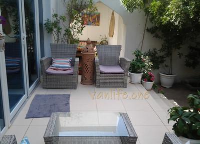 Behlys villa patio