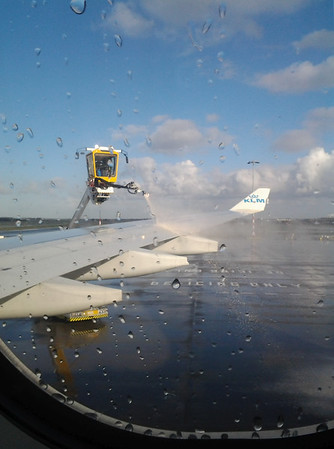 De-icing wings before take off