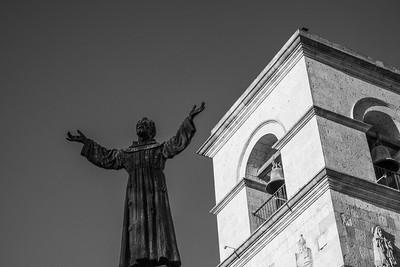 Statue of San Francisco de Assisi outside his namesake church