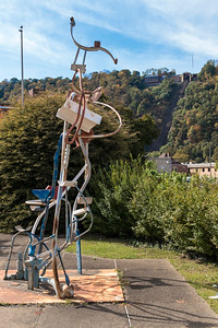 Neat sculpture. We rode the inclined railway and ate at the restaurant in the background.