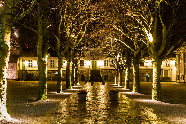 Inngangspartiet til Stavanger katedralskole, Kongsgård, ved Byparken.