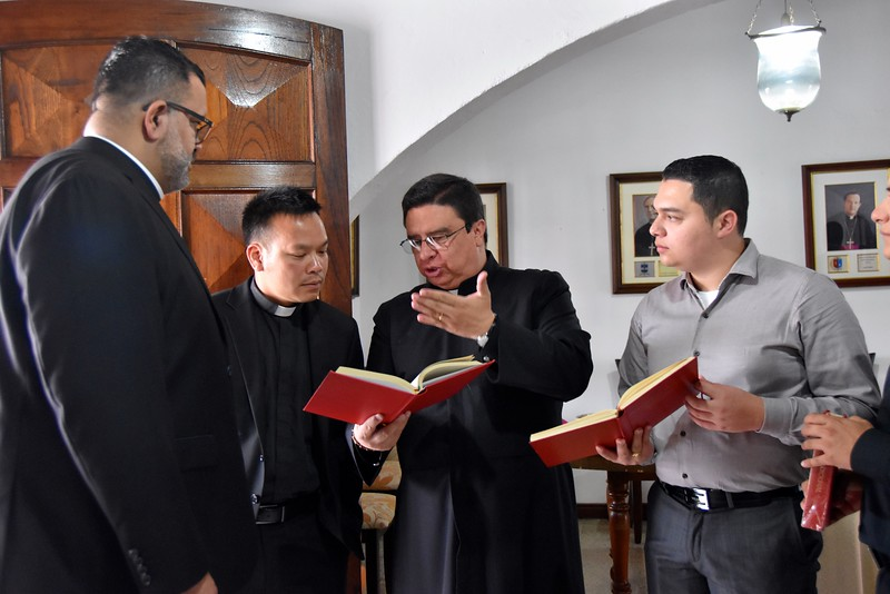 Going over last details before Mass