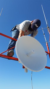 Re mount 5 GHZ dish at Cardenas that links to USA La Perla at Coronado Isl.