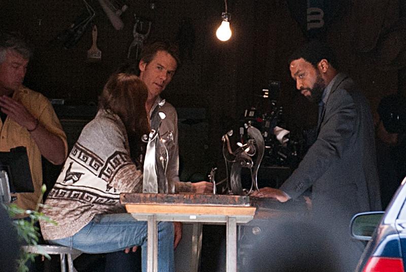 Julia Roberts,Chiwetel Ejiofor on set