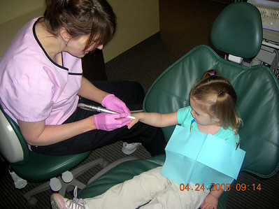 Juliana - First trip to the dentist