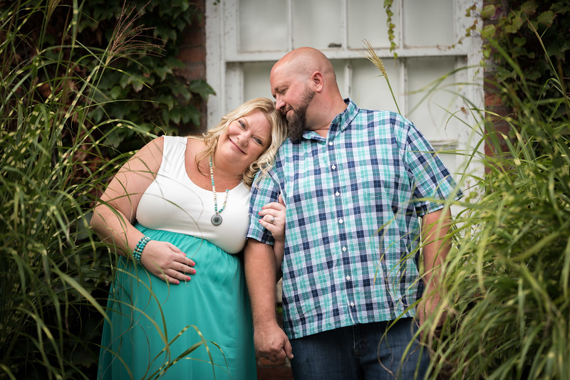 Julie and Chris - Maternity