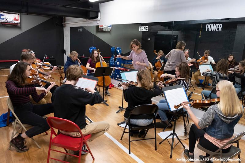 julie strings group
