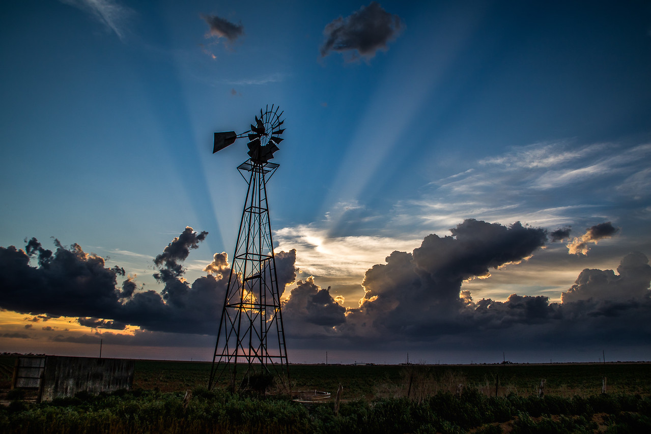 Windmill and rays