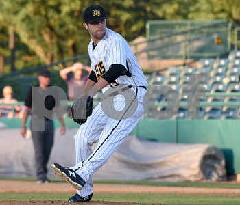 070517  Wesley Bunnell   Staff  New Britain Bees vs Somerset Patriots on Wednesday evening. Brandon Shimo (15).