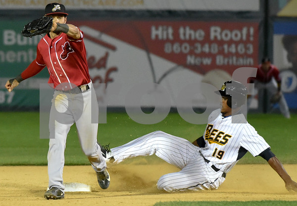 072417 Wesley Bunnell   Staff The New Britain Bees lost 2-1 to the Lancaster Barnstormers on Monday evening. Jordan Hinshaw (19) with a steal of second.