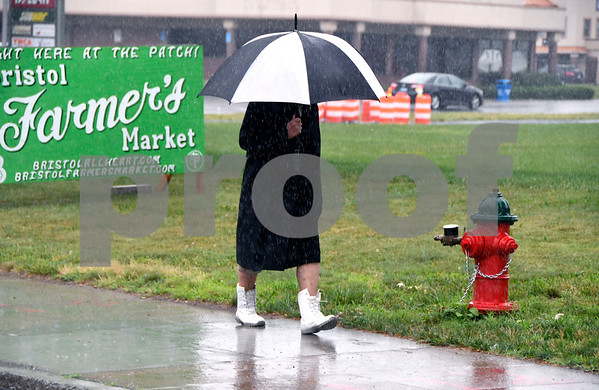 7/7/2017 Mike Orazzi | Staff A rainy Friday along Riverside Avenue in Bristol.