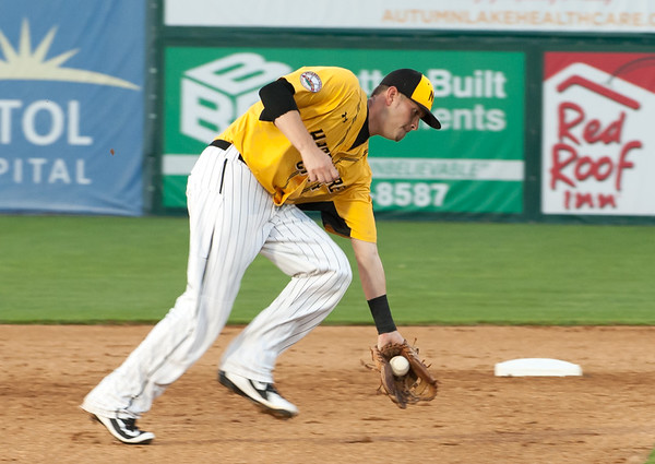 06/29/18 Wesley Bunnell | Staff The New Britain Bees were defeated 6-4 by the Southern Maryland Blue Crabs. Reid Brignac (15).