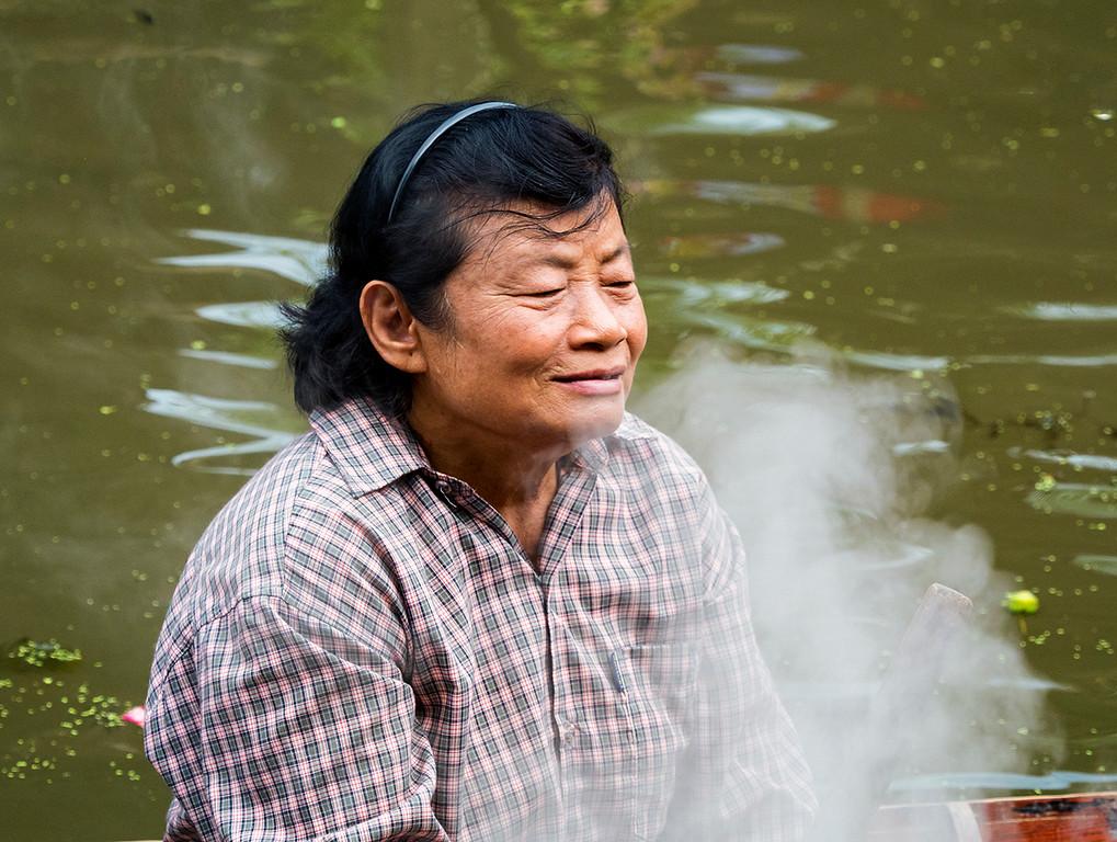 boat noodle lady