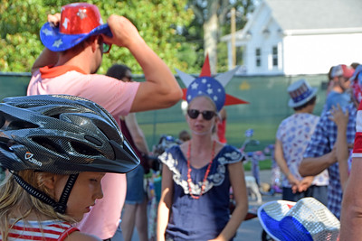 The day when a bicycle helmet was the most normal head gear.