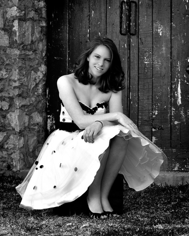 Hallie Nelson Senior Portraits