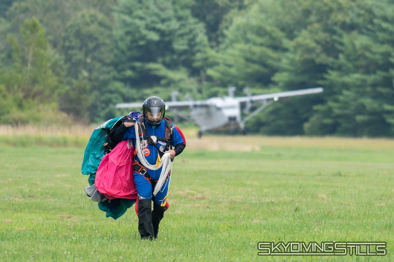 """<br><span class=""""skyfilename"""" style=""""font-size:14px"""">2019-08-03_skydive_pepperell_0380</span>"""