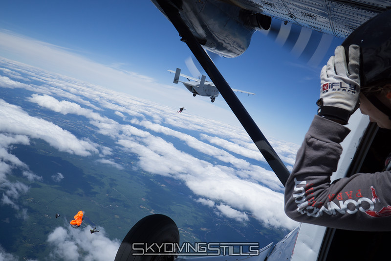 """You can always spot Philip by his pink socks. <br><span class=""""skyfilename"""" style=""""font-size:14px"""">2016-07-02_skydive_jumptown_0029</span>"""