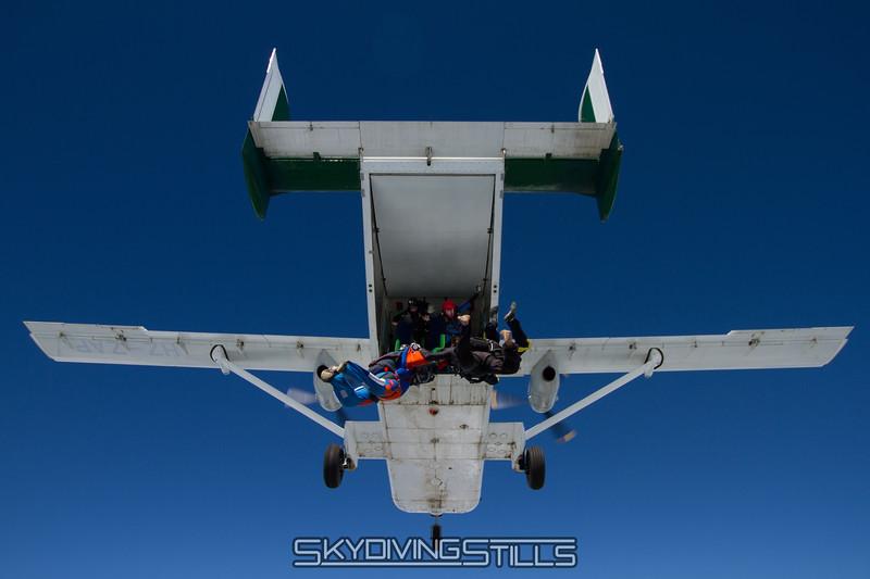 "<br><span class=""skyfilename"" style=""font-size:14px"">2015-08-09_skydive_cpi_0373</span>"