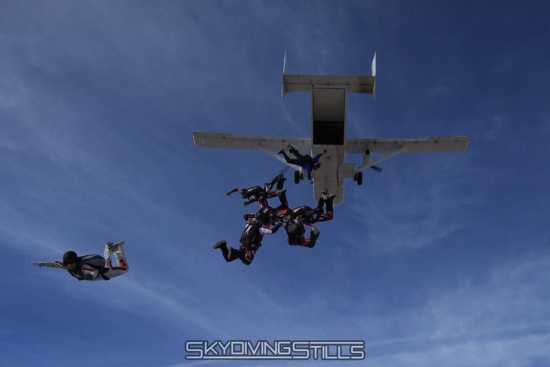 Jumping the Skyvan.