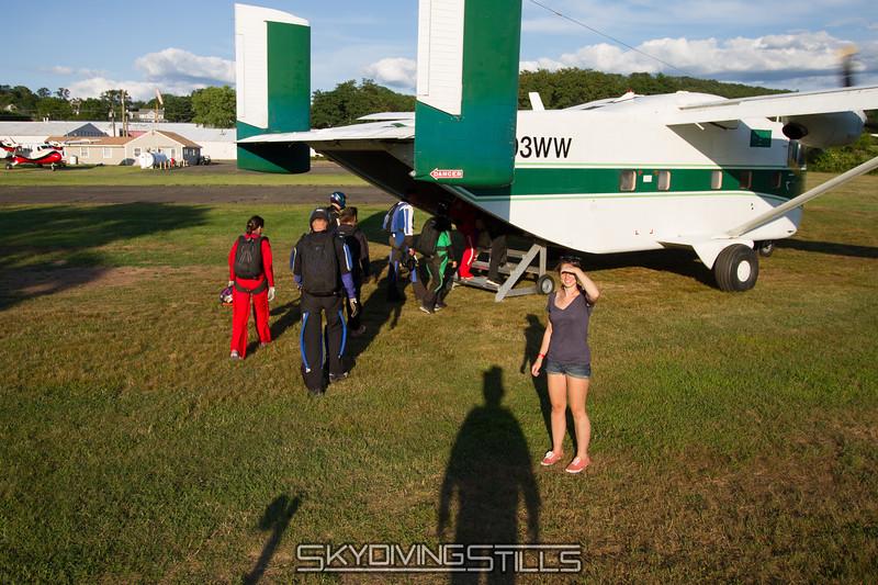 "<br><span class=""skyfilename"" style=""font-size:14px"">2015-08-07_skydive_cpi_1648</span>"