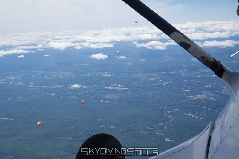 """Skyvan way out in front. <br><span class=""""skyfilename"""" style=""""font-size:14px"""">2016-07-02_skydive_jumptown_0224</span>"""