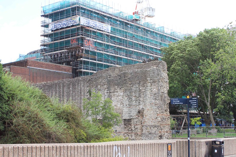 London Wall, Tower Hill