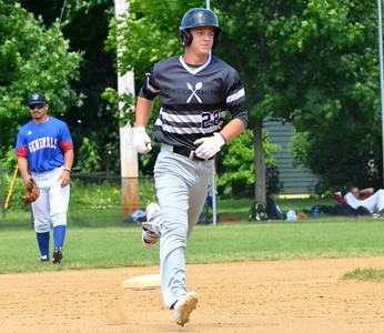KYLE MENNIG – ONEIDA DAILY DISPATCH Sherrill's Justin Stromski runs the bases after hitting a home run against Rome during their NYCBL game in Sherrill on Saturday, June 17, 2017.