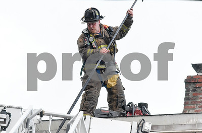 062717  Wesley Bunnell | Staff  A fire broke out Tuesday afternoon at 404 East St in New Britain on the top floor.