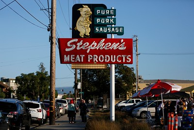 """Stephen's Meat """"Dancing Pig"""" sign"""