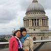 Ying-Hui and Jenny, with St. Paul's Cathedral in the background