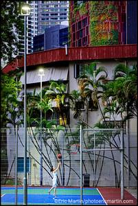 SINGAPOUR VILLE JARDIN. TERRAINS DE SPORT AU PIED DES TOURS DU PINNACLE@DUXTON