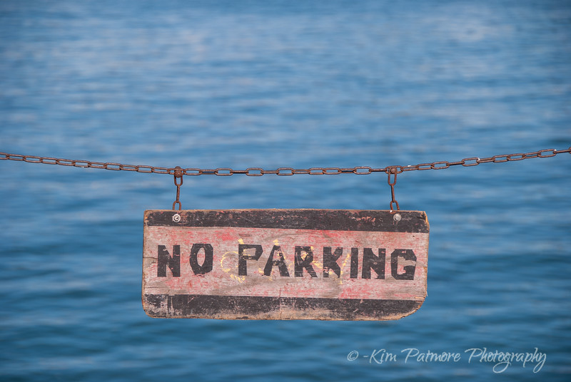 NO PARKING SILLY!