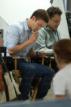 "Justin Timberlake's snak during the set of "" Friends With Benefits "" co-star Richard Jenkins, director Will Gluck in Los Angeles,California on September 13, 2010."