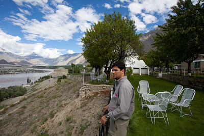 Ignacio looks over the surroundings.  The K2 museum built by the Italians is in the background.  It used to be at Concordia but moved to Skardu to get more traffic.