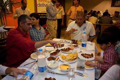 Ignacio learns about Pakistani food.